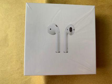 AirPods w/wireless charging Case 100%new