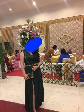 Long dress slit pesta