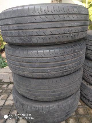 Ban Dunlop SP Sportmax 050 225/60R18 100H