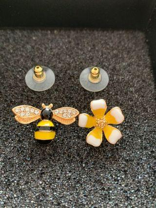 🚚 Earrings bee and flower