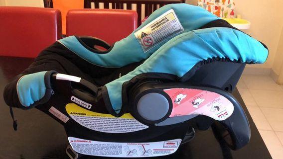 Baby car seat (0- 12 months)