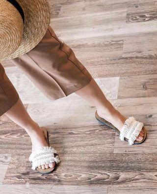 Summer sandal / sandal pantai
