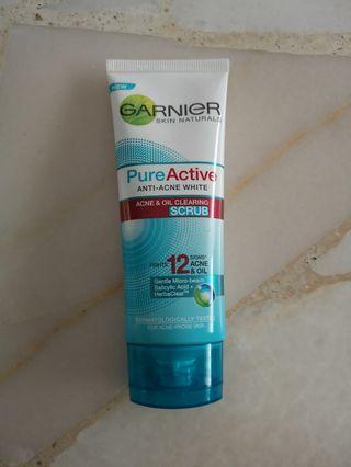Garnier Pure Active Anti-Acne White Scrub