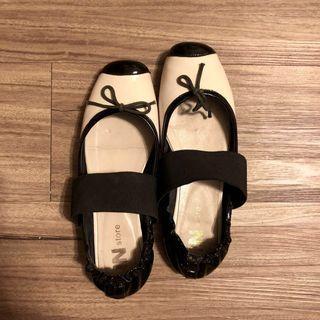 IN store黑白撞色蝴蝶結飾帶芭蕾舞鞋 chanel風/平底鞋 娃娃鞋 復古風格