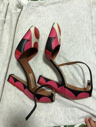 🚚 Branded shoes super good deal