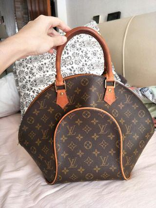 LV Handbag (authentic)