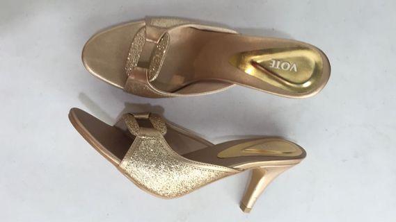Sandal VOTE Gold