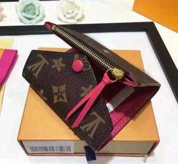 🎁 Lv Short Tri-Fold Wallet