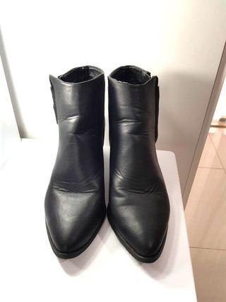 Rubi boots size 39