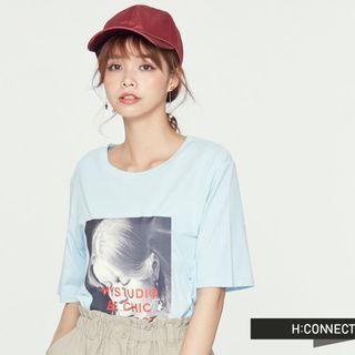 🚚 hconnect淺藍休閒感人像T-shirt