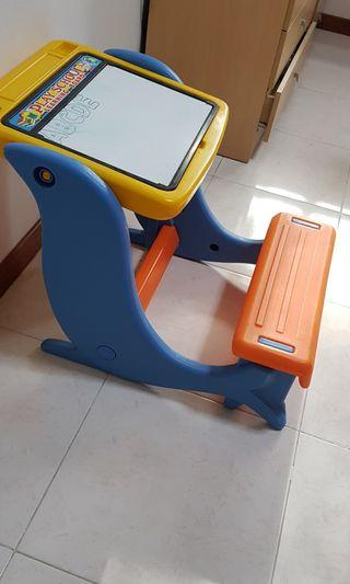 🚚 Selling toddler playing or writing table