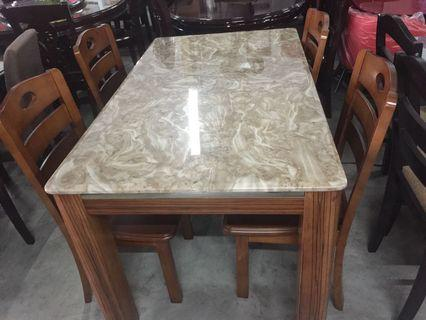 4 seater dining table 23,500