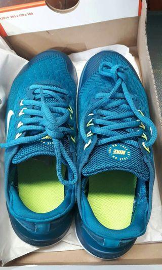 Original nike size 5 rubber shoes unisex
