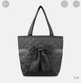 80% New 泰國NaRaYa蝴蝶結袋 全黑色格手挽袋側咩袋包包 可上膊Black Satin Ribbon Tote Bag Shoulder Bow