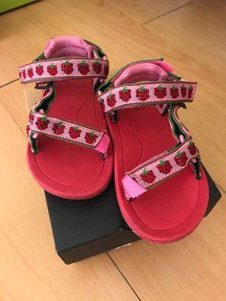 teva 涼鞋 13cm