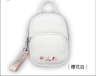 Limited Edition Small Fila Bag from Taiwan 7eleven. It's no more selling anymore