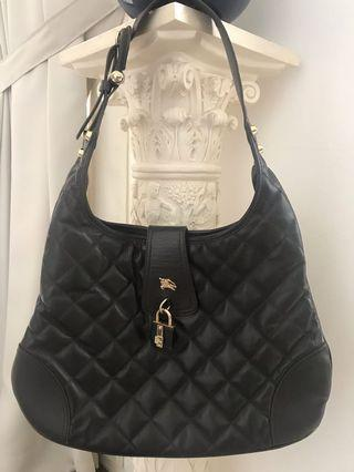 🚚 Authentic Burberry leather bag
