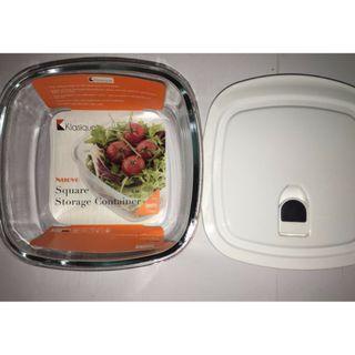 BNIB Klasique Square Glass Food Storage Container