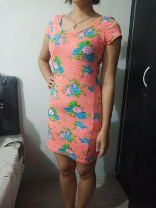 "Dress Body fit bunga"""