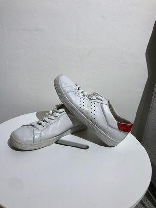 Pull and Bear Sneakers