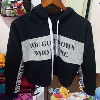 Crop hoodie top you gotta own
