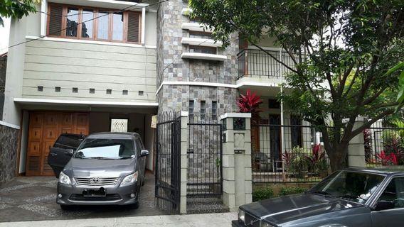 Rumah 2 lantai posisi tanah Hoek Lokasi super premium dibintaro jaya sektor 3