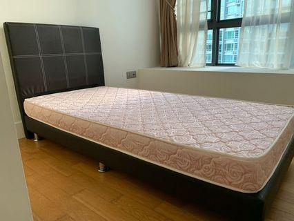 🚚 Single Bed With Mattress
