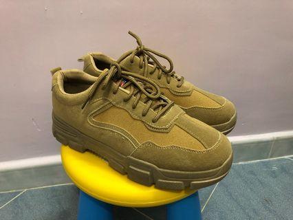 啡黃色鞋(全新)