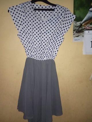 Dress Putih Polkadot Hitam