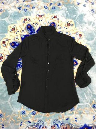 black blouse top
