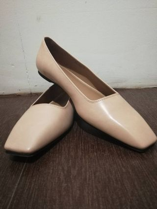 ee837fc59 US Size 9 Flat Shoes Square Toe Ballerinas Charles and Keith