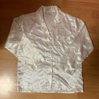 🚚 white silk pajamas top
