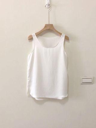 🚚 【全新】純白背心|舒適棉麻材質|不刺膚|夏天必備