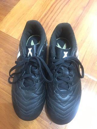Adidas 小童足球鞋(購自日本)