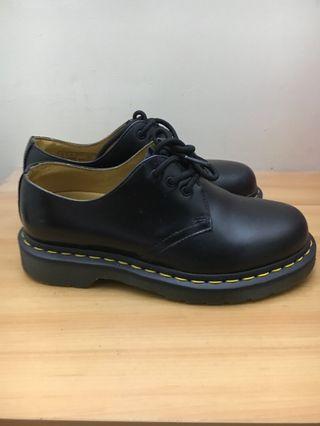 🚚 Dr.Martens 三孔皮鞋
