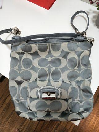 🚚 Coach Handbag for Sales