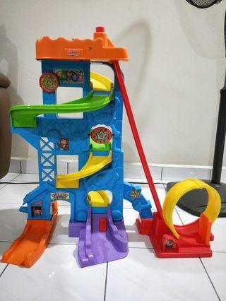 Toys Car tracks