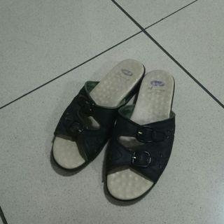 Sandal sendal scholl wanita