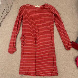 紅灰條紋相間貼身洋裝