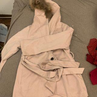 粉色連帽兔毛外套