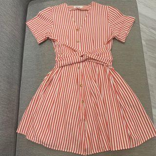 🚚 Red and White Striped Dress with Waist Tie Detail