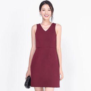 (XL) Fayth Armaria Sheath Dress in Wine