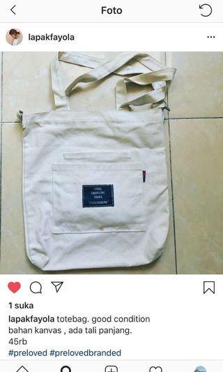 totebag and slingbag