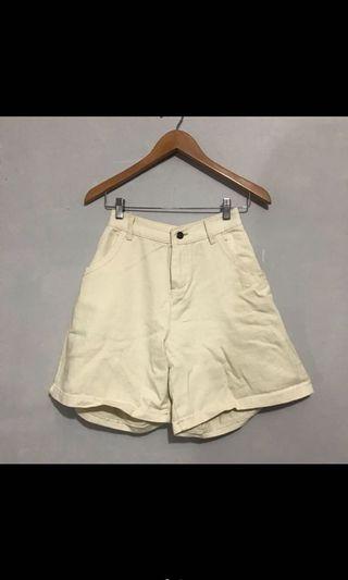 🚚 米白五分短褲