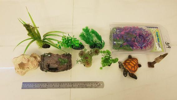 Fake plants & ornaments for fish tanks