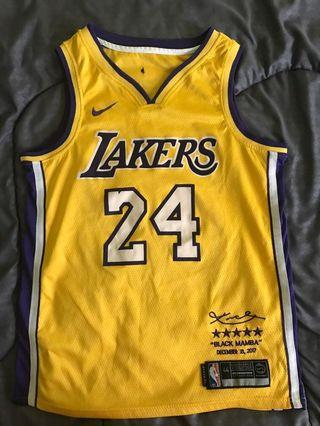 NBA jersey Kobe Bryant's retirement