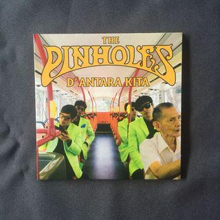 The Pinholes- d'antara kita • the v the zozi the guilt street records