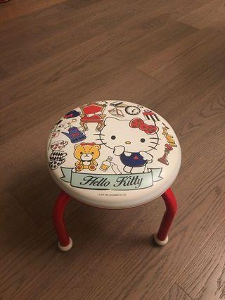 (非常新) 正品 Hello Kitty Round Chair 凳仔 換鞋凳