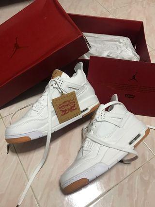 Air Jordan 4 Retro x Levi's in White Cowboy