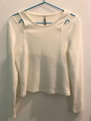 Long-sleeved clothes
